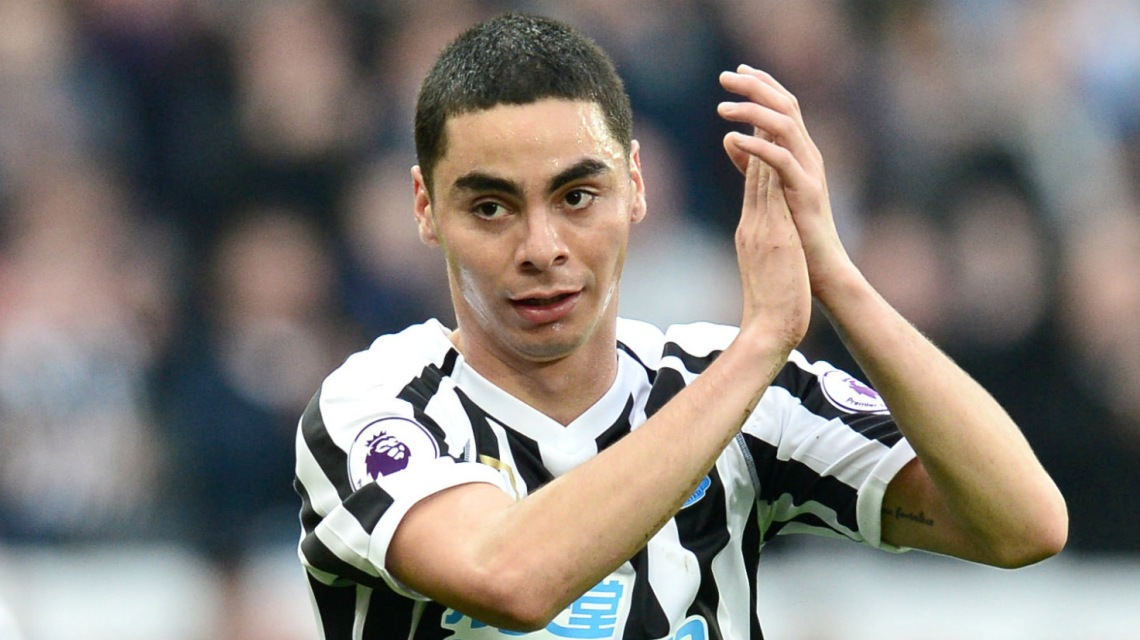 Miguel Almiron Clapping Close Up